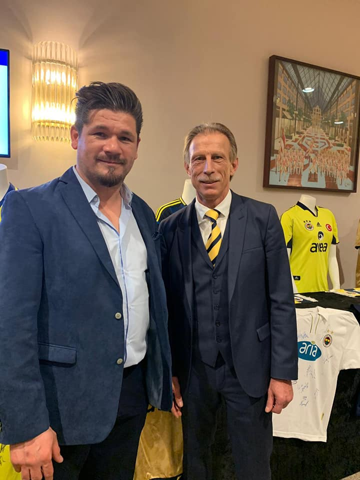 Fenerbahçe offizielle Fußballschule® Inhaber und UEFA B-Lizenz Trainer Ersin Baydemir mit dem ehemg. Cheftrainer von Fenerbahçe Istanbul, Christoph Daum.
